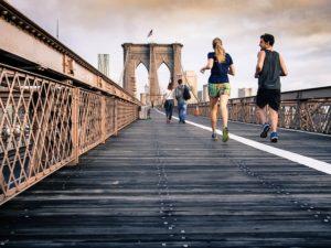 橋の上でのジョギング