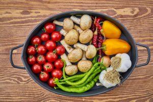 土鍋に入った野菜