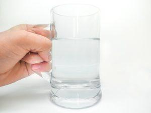ジョッキの水