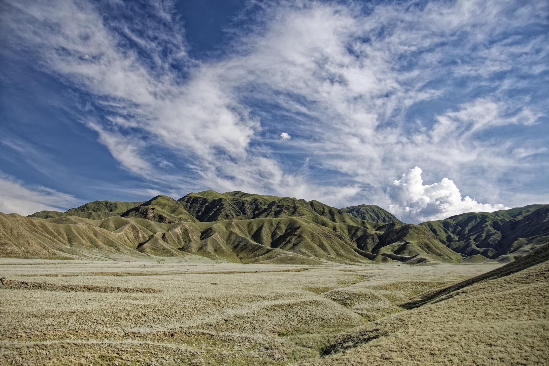青空と山脈