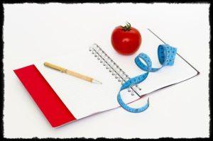 手帳とトマト