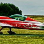 赤い飛行機