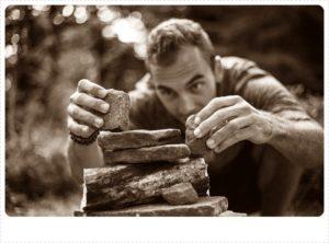 石を積み上げる