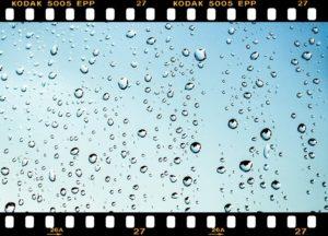 雨 フィルム
