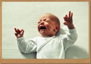 赤ちゃんが泣いているところ