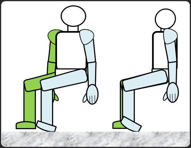 デスクで足首を床に押し付ける
