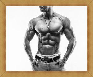 男性の筋肉姿