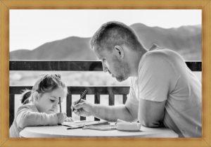 親が子供に勉強を教える