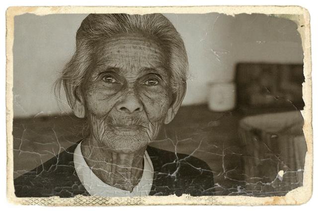 老人の女性