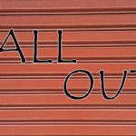 ALL OUTの文字