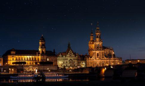 夜景の教会
