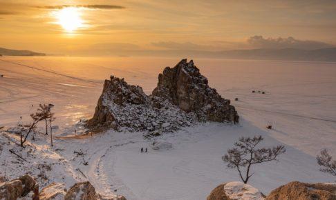岩山と日の出