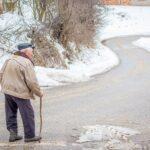 おじいちゃんが歩くところ