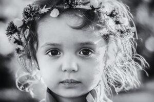 少女のまっすぐな目